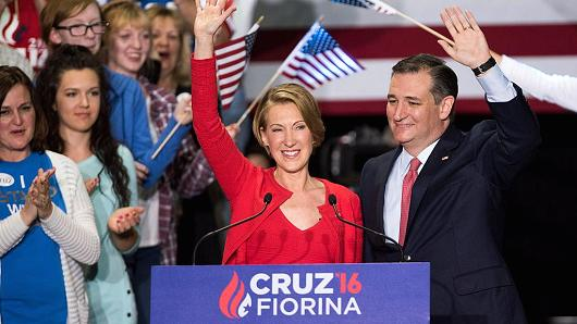 Ted Cruz presenterar Carly Fiorina som sin vicepresidentkandidat.
