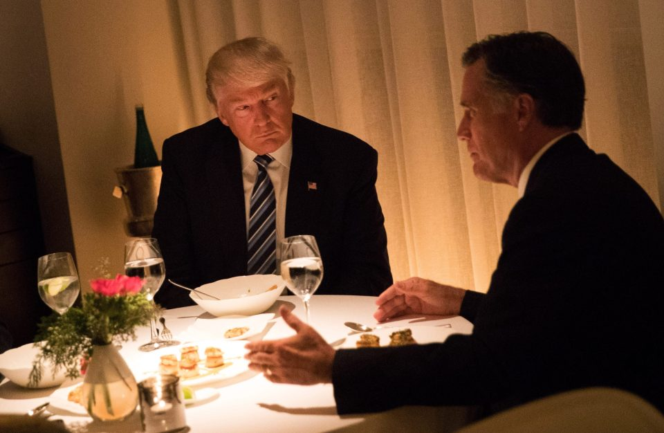 Donald Trump och Mitt Romney dinerar i New York.